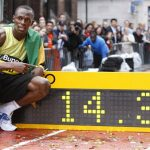Usain Bolt Storms to 150m Record